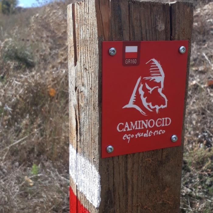 El Camino del Cid incorpora a su señalización carteles de advertencia